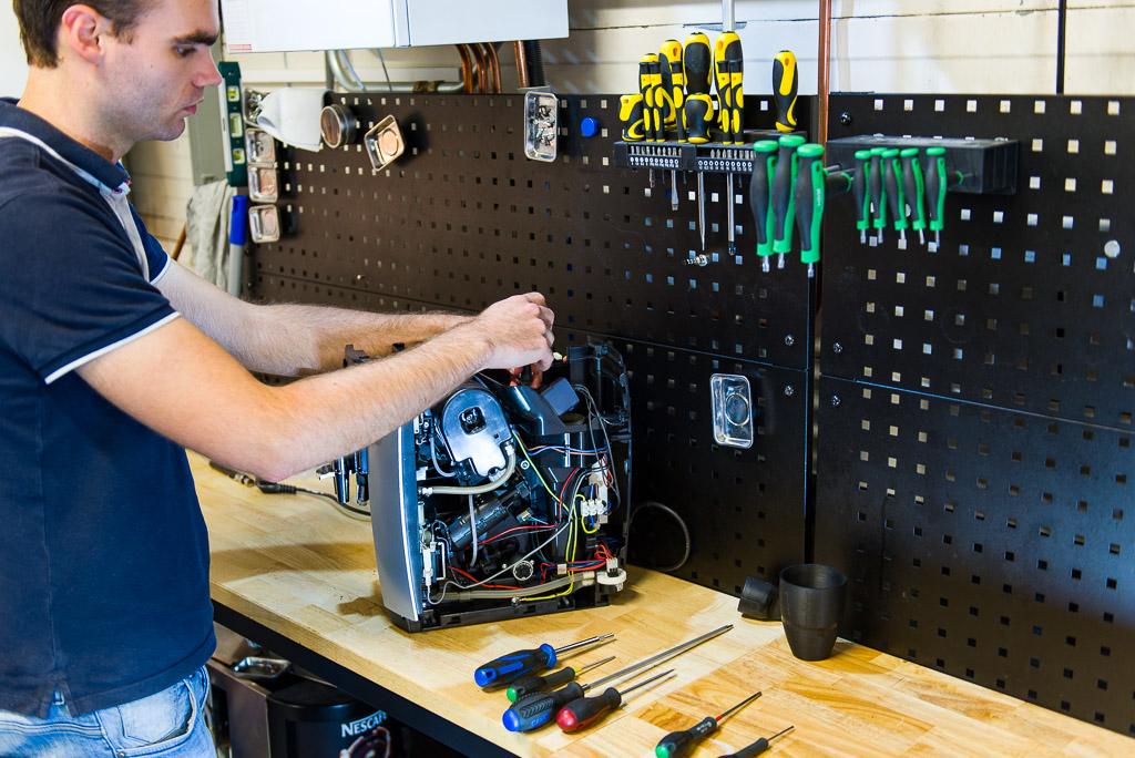 Een reparatie bij Hendriks Coffee